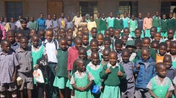 Kids at Maodzwa